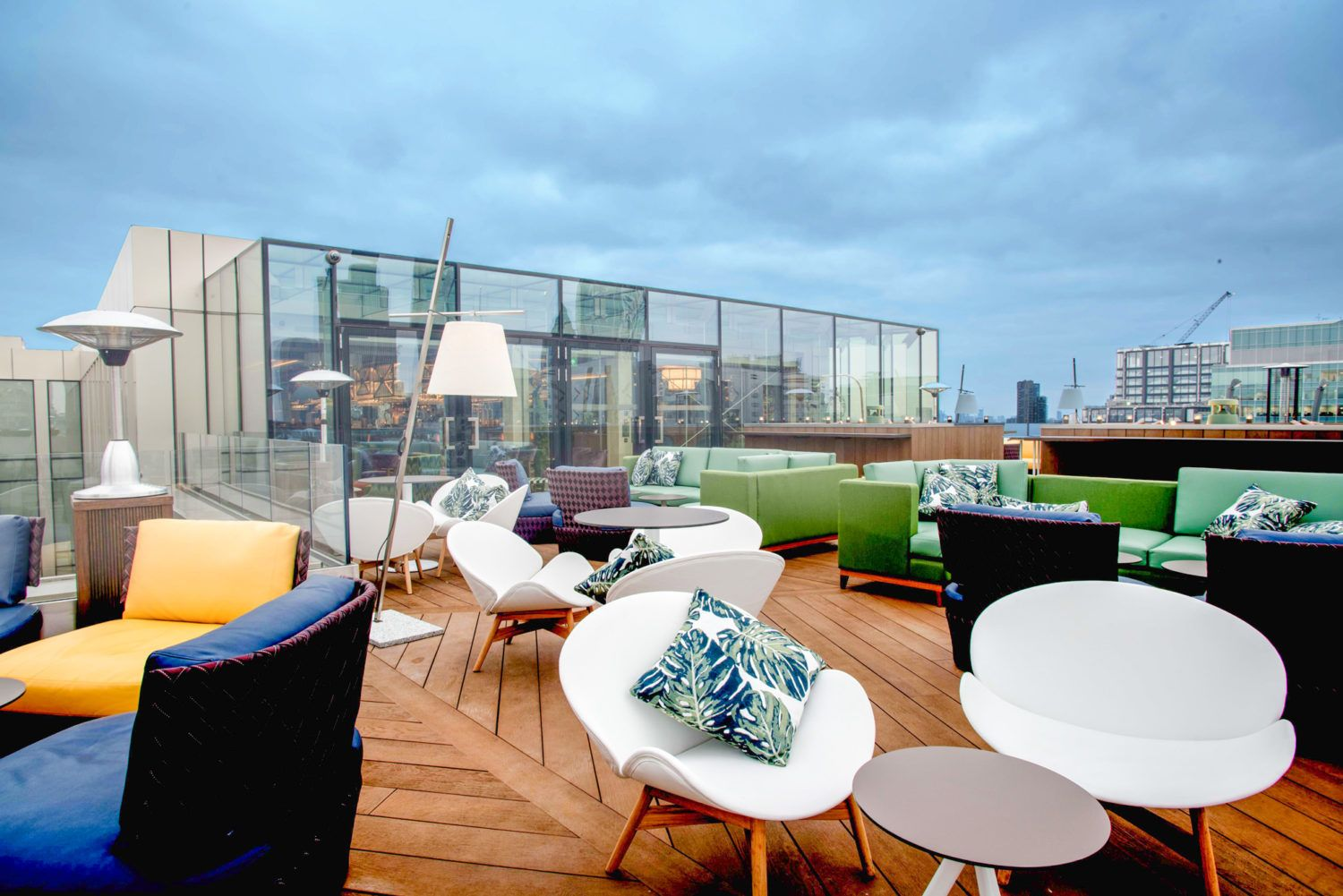 Aviary London 39 S Hottest Rooftop Restaurant And Terrace Bar Is Situated On The 10th Floor O Rooftop Restaurant London Rooftop Bar Design Rooftop Restaurant