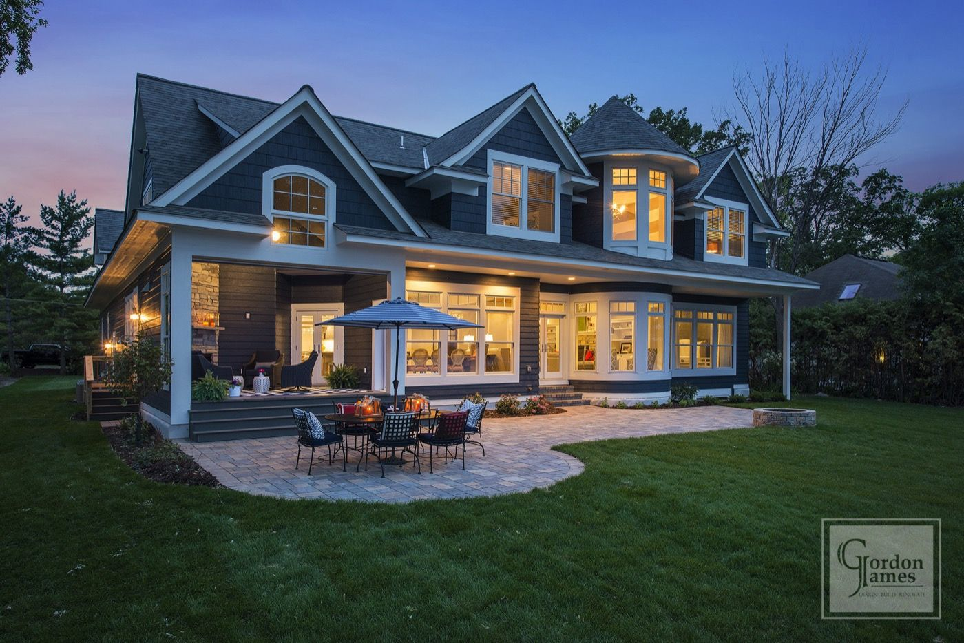 This 6 000 Square Foot Craftsman Style Lakefront Home Overlooking Crystal Bay In Minnetonka Beach Minn Lakefront Homes House And Home Magazine New House Plans