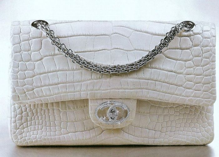 6dfd6ef467bc The Chanel