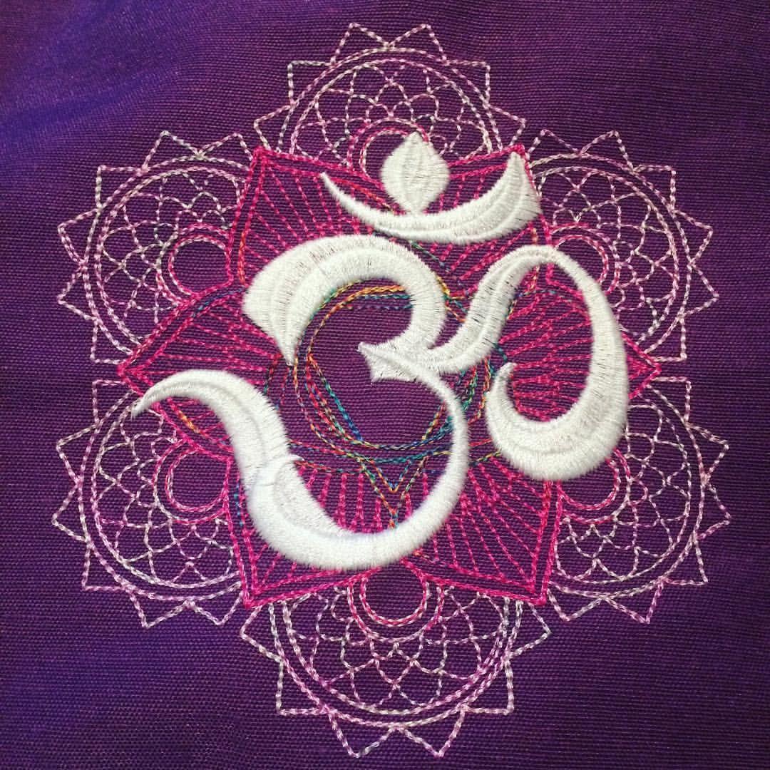 🕉 S T I C K E N 🕉  Mandala #Om 🕉✨ #KathieKreativstickt #KathieKreativ 📌#UrbanThreads #embroidery