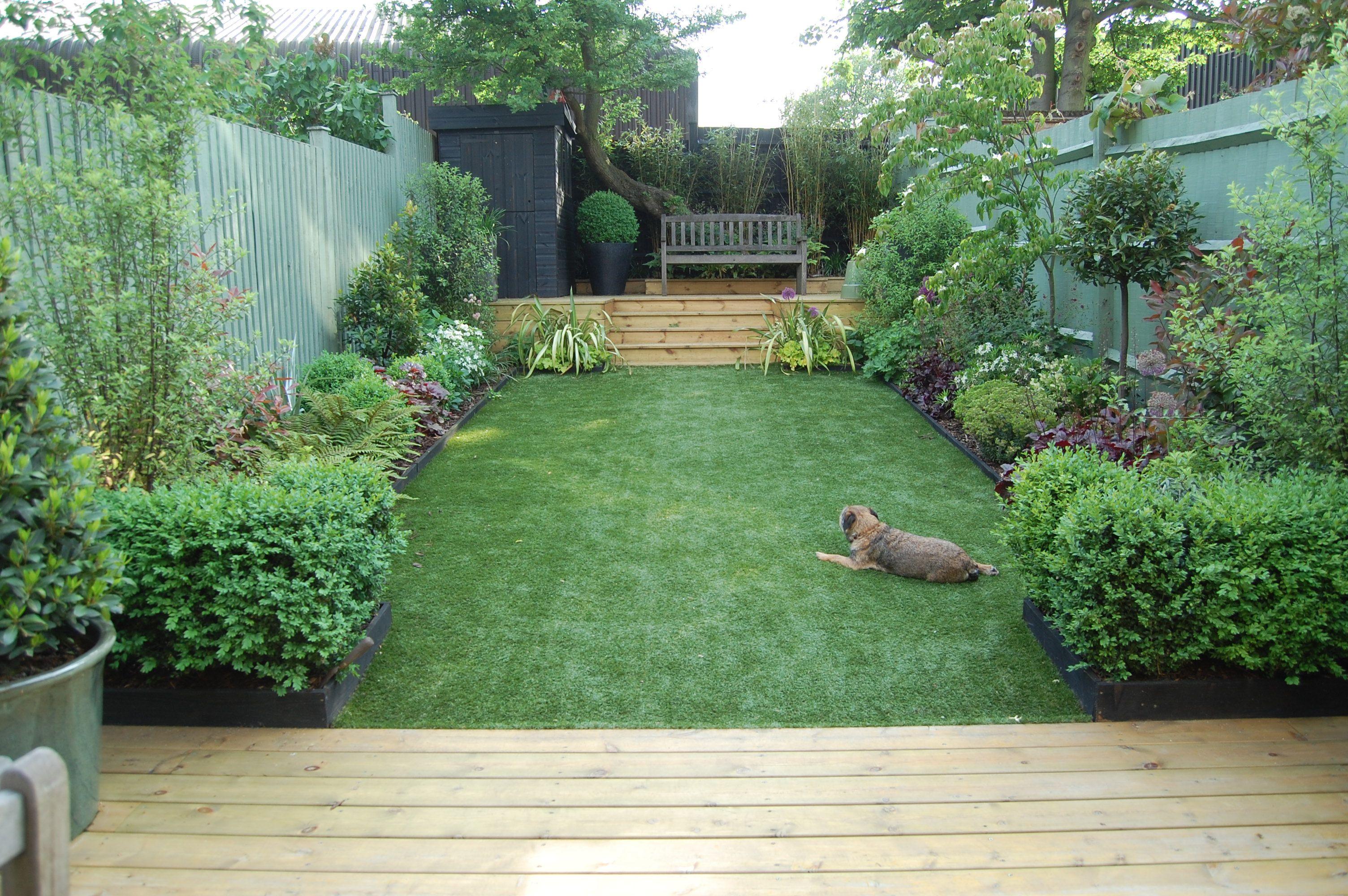 Small courtyard garden inspiration  Shelley HughJones Garden Design I like the layout of this garden