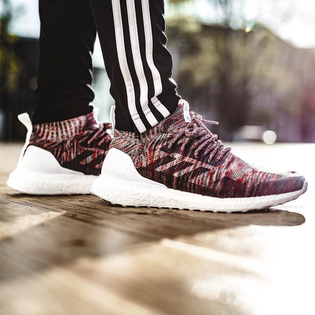 the best attitude 7fde9 3795c KITH x adidas Ultra BOOST Mid