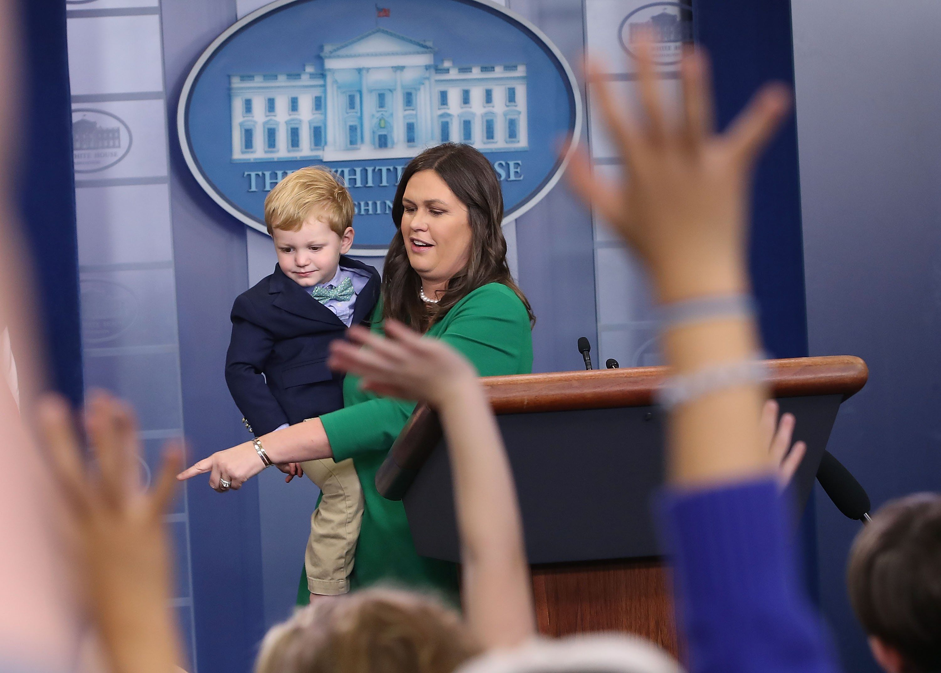 Sarah Sanders Takes Her Kids To Work The Daily Caller Role Models Kids Sarah