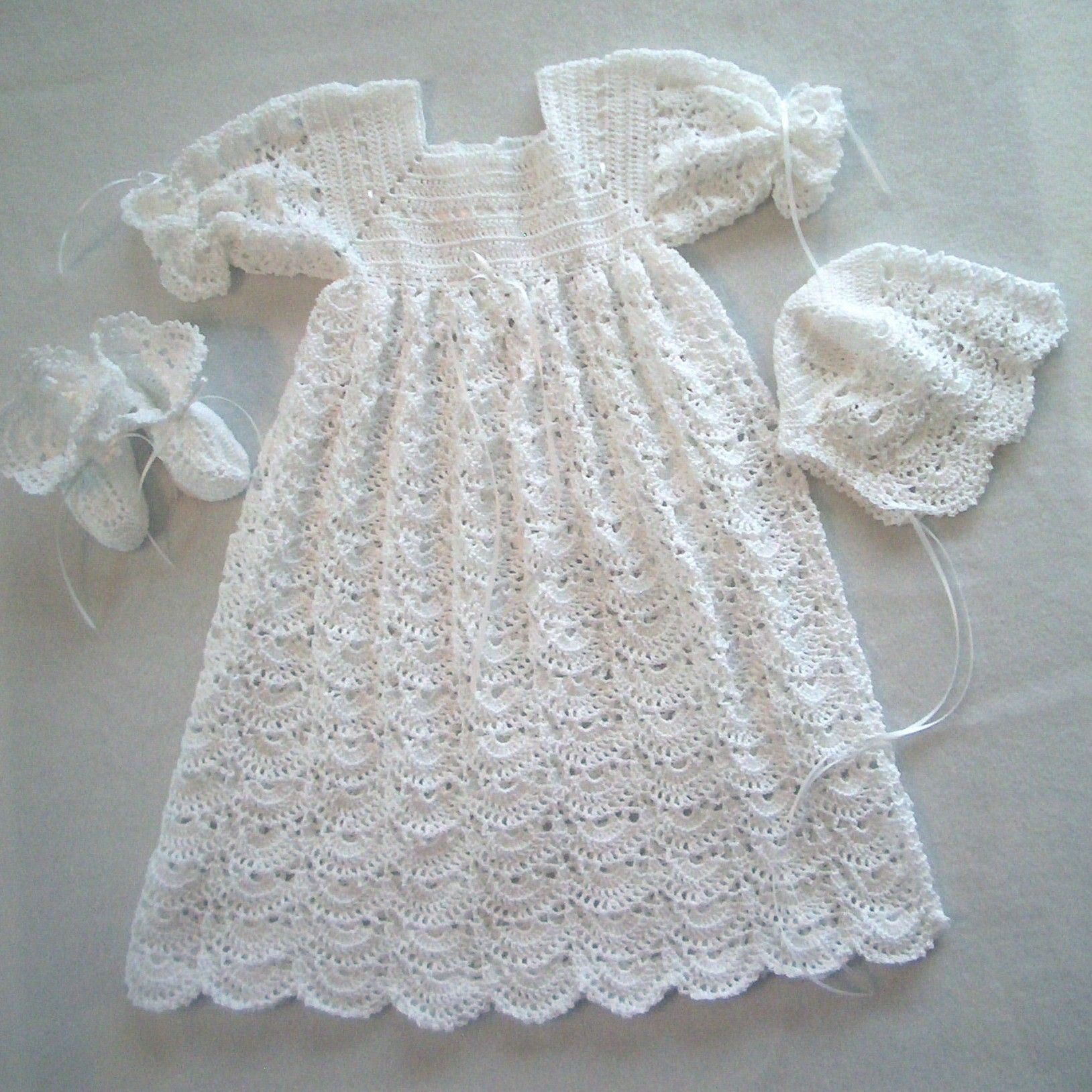 Open Crescent Heirloom Christening Ensemble | Pinterest | Häckeln