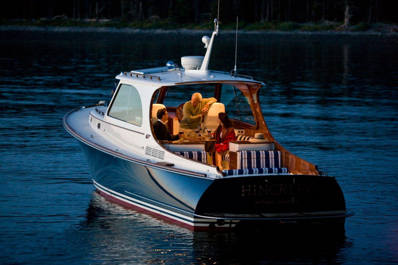Boats yachts maine boats lobster boats picnic boats sailing - Luxury Downeast Style Picnic Boat For The Finest Cruising Yacht Boat Features Fuel Efficiency