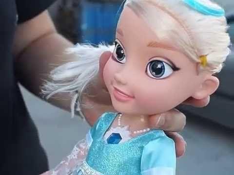 Lalka Elsa Interaktywna Frozen Z Krainy Lodu Spiewajaca Disney Frozen Disney Elsa