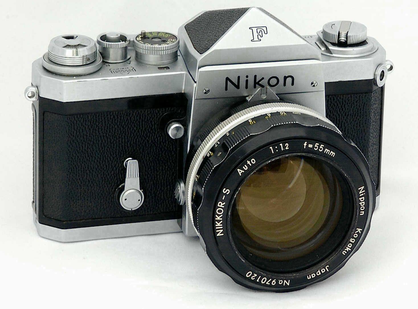 Nikon F. Cámara réflex de objetivos intercambiables. 1959 ...