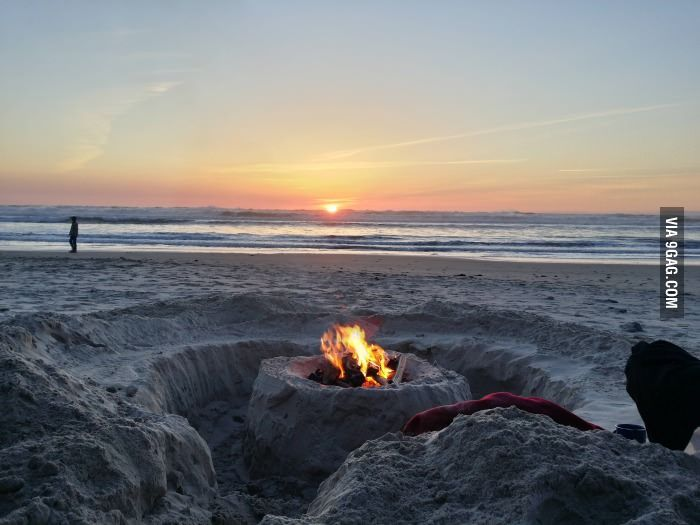 Great Idea For A Beach Fire Pit With Seats