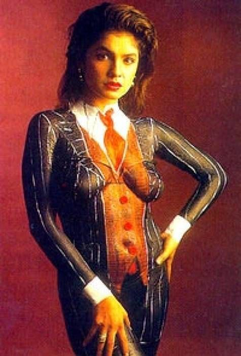 Nude Stars Pooja Bhatt Body Paint Act  Self Proclaimed  Body Painting, Painting, Body Art-2810