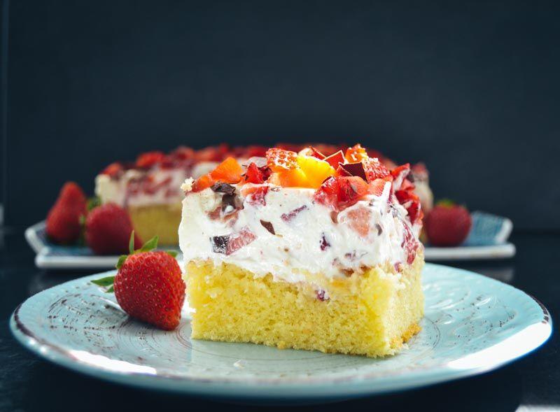 Fantakuchen Rezept Vom Blech Mit Schmand Und Erdbeeren Rezept Fantakuchen Rezept Fantakuchen Und Erdbeer Schmand Kuchen