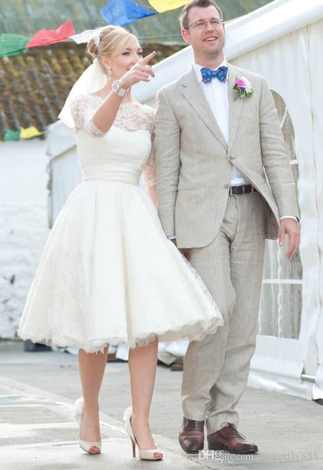 Vintage Lace Wedding Dresses Long Sleeve Scoop Neck Puffy Ball Gown ...