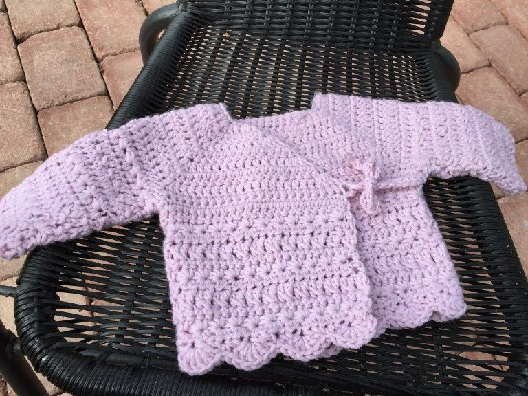 How to easily crochet a baby cardigan. #crochetbabycardigan
