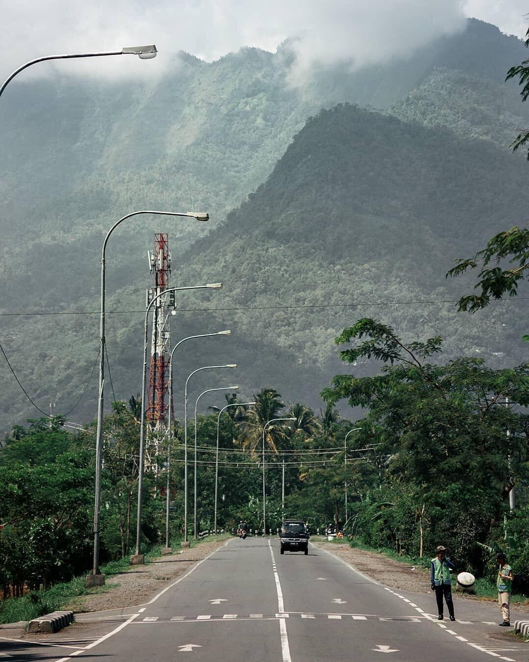 Pesona Sekitar Jla Jalan Lingkar Ambarawa Jla Memang Dibuat Untuk Mereda Kemacetan Menuju Pasar Ambar Di 2020 Pemandangan Fotografi Pemandangan Fotografi Perjalanan