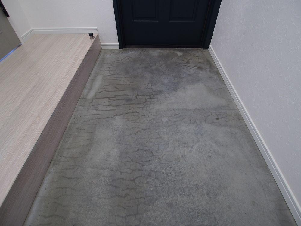 玄関土間はモルタル仕上げ 金コテ仕上げ D0113aさんの玄関の床
