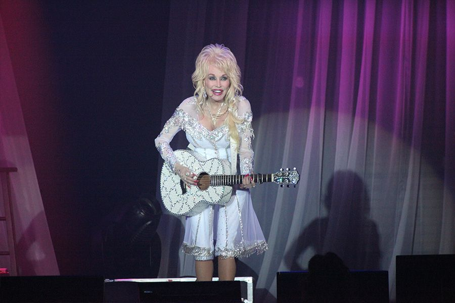 Dolly Parton: Pure & Simple Tour - June 10, 2016