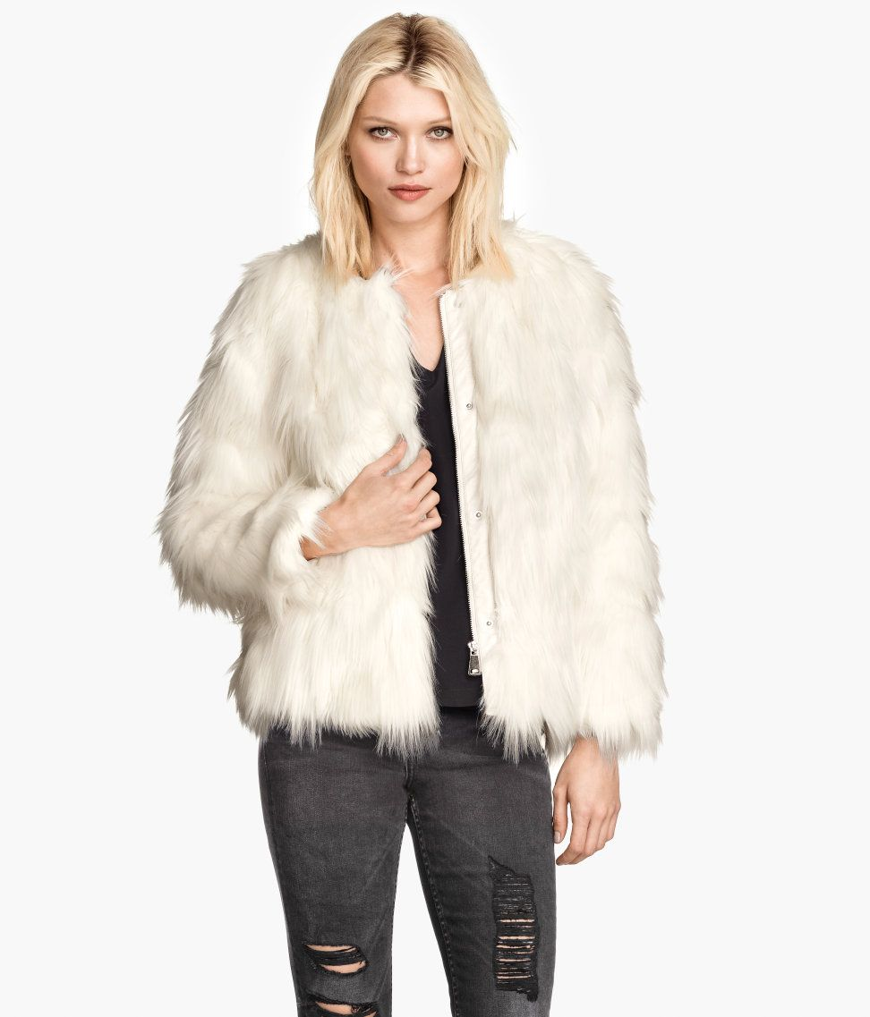 9d25a412aa2 Short white faux fur jacket with side pockets & satin lining. | Warm in H&M
