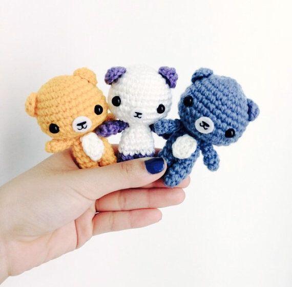 He encontrado este interesante anuncio de Etsy en https://www.etsy.com/es/listing/157725457/crochet-bear-amigurumi-teddy-bear