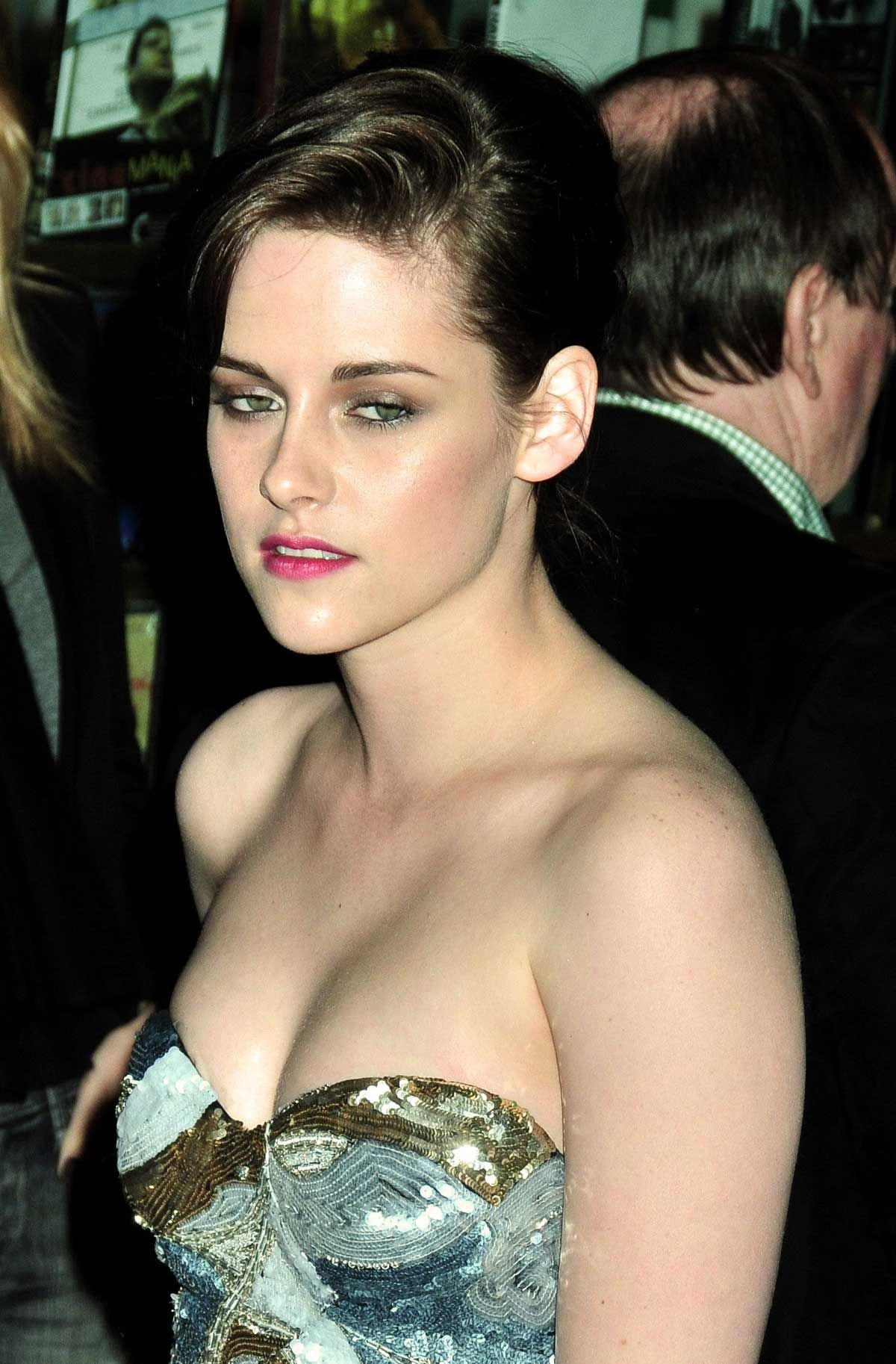 Cleavage Kristen Stewart naked (71 photos), Pussy, Fappening, Feet, braless 2006