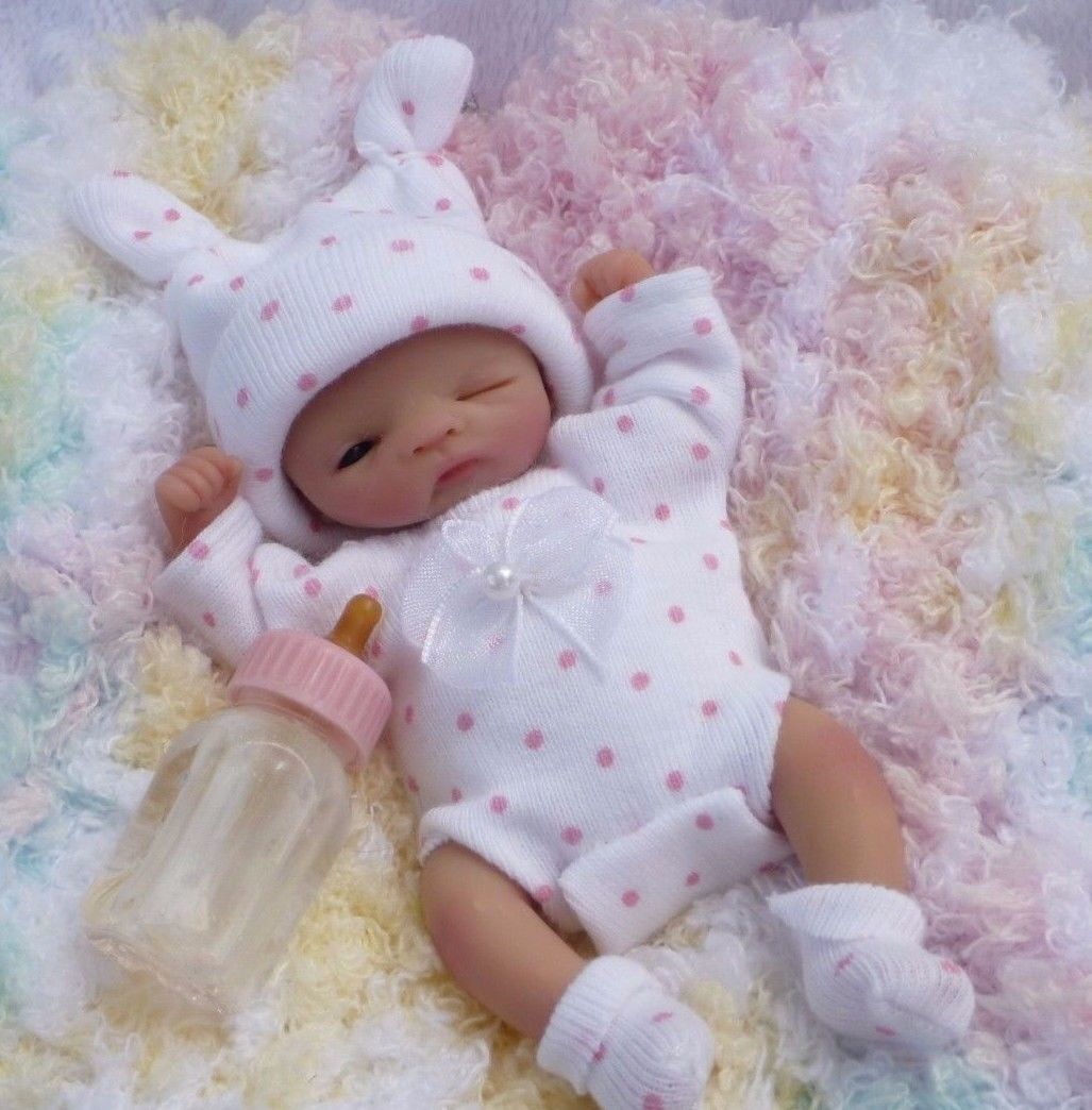 Ooak Hand Sculpted Mini Baby Girl Newborn Realistic Polymer Clay Art Doll Ebay Baby Girl Art Baby Doll Nursery Baby Dolls