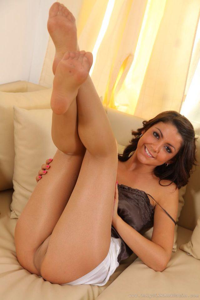 feet panty nude