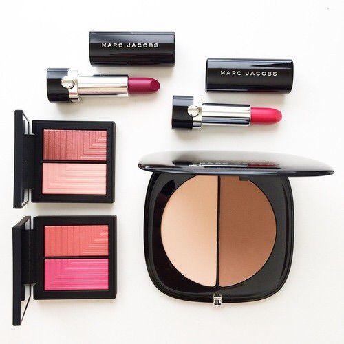 Image via We Heart It https://weheartit.com/entry/172091330/via/2659899 #blush #fashion #lipstick #makeup #marcjacobs #style #countour