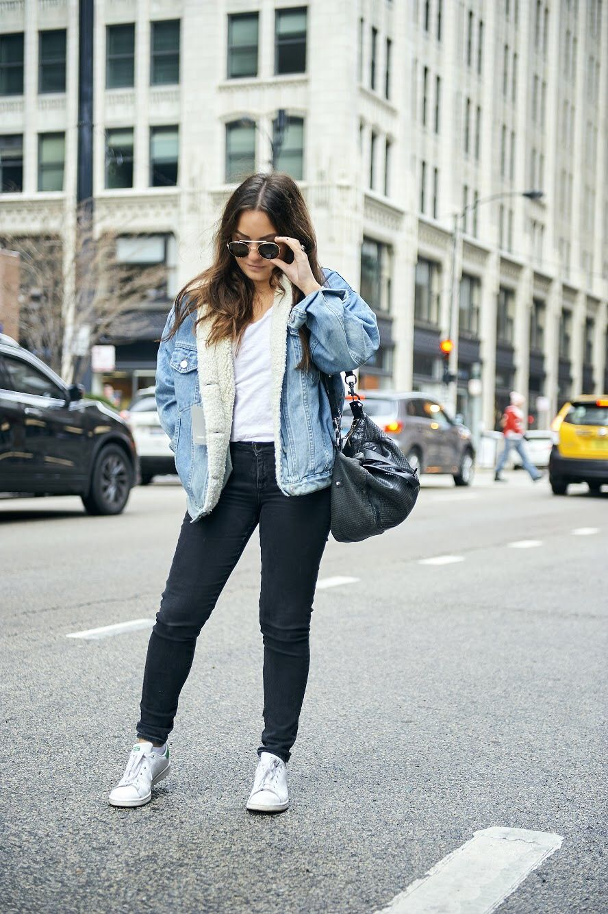 Denim Shearling Jacket Outfit Women Levis Jacket Outfit Women Casual Outfits [ 1334 x 888 Pixel ]