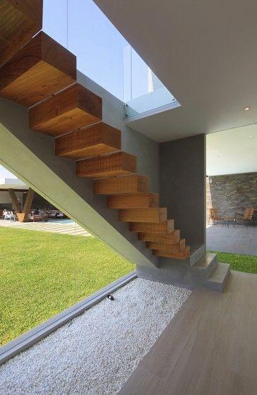Diseño de fachadas e interiores de moderna casa de dos plantas - Diseo De Escaleras Interiores