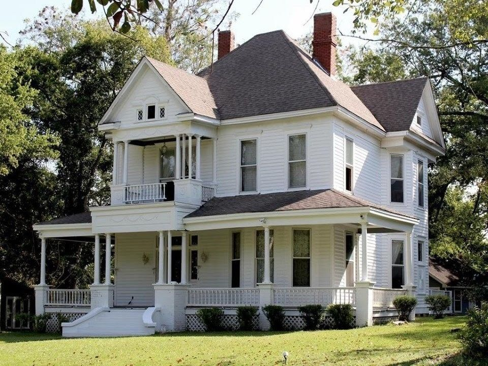 1902 Colonial Revival For Sale In Aberdeen Mississippi Captivating Houses Old House Dreams Colonial Revival Old Houses