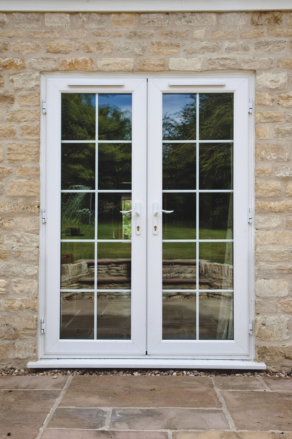 Duraflex Upvc Casement Windows From Gfd Homes To Suit Any Home From The Classic Styles To The More Modern We Can Window Design Upvc French Doors Upvc Windows