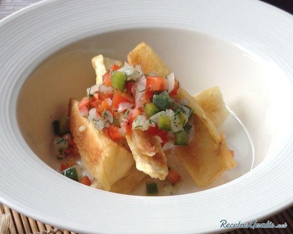 Receta de Yuca con mojo venezolano  Receta  COCINA