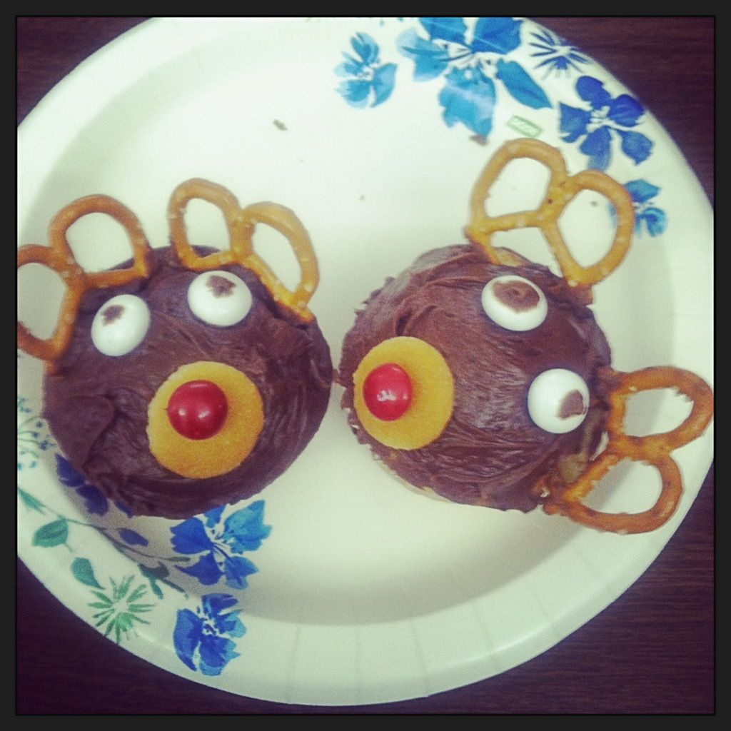 Reindeer cup-y cakes