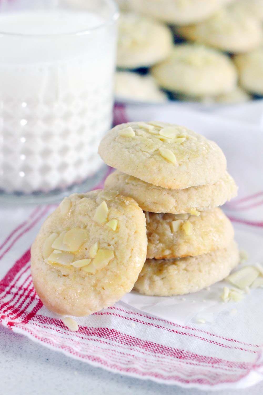 Norwegian Butter Cookies Serinakaker Recipe Cookie Recipes Recipes Butter Cookies