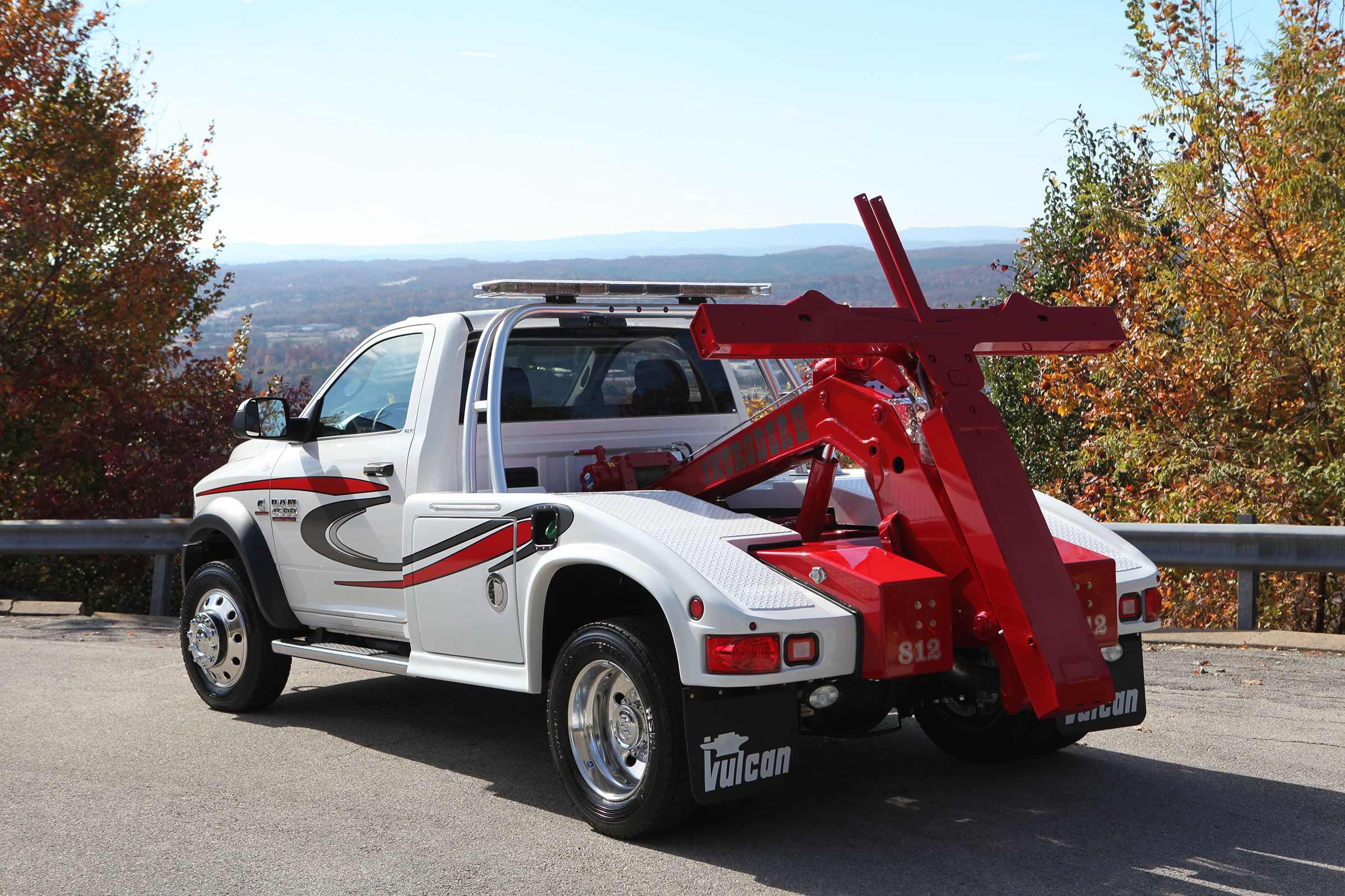 Vulcan 812 Intruder Ii Small Wrecker Flatbed Towing Tow Truck Towing Company