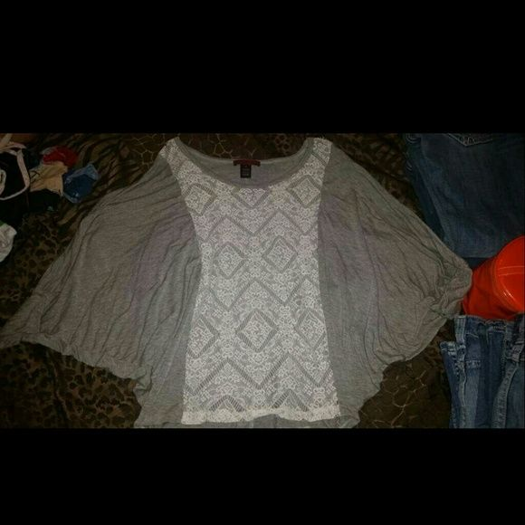 Bke batwing Batwing bke adorable shirt BKE Tops