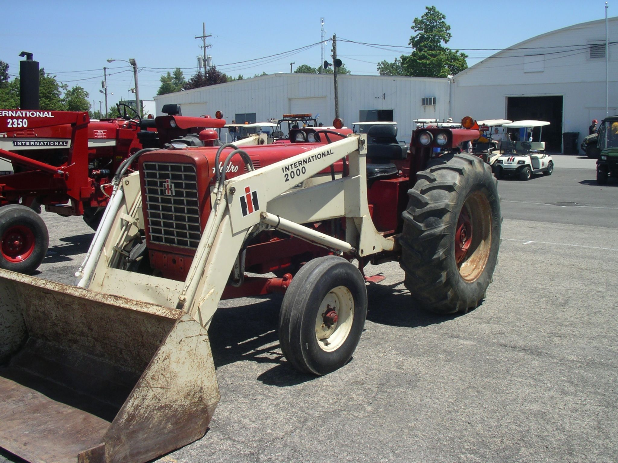 International 656 Tractor With Loader : Ih hydro utility with no loader red power