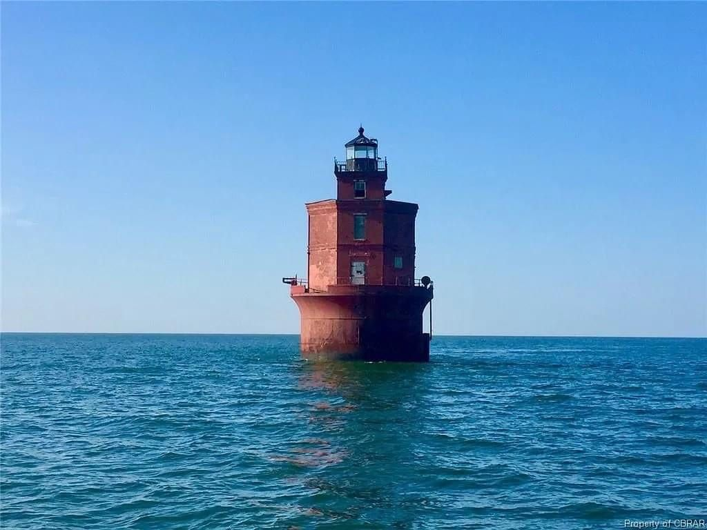 Pin By Skip Conway On Light Houses In 2020 Lighthouse Old House Dreams Beautiful Lighthouse