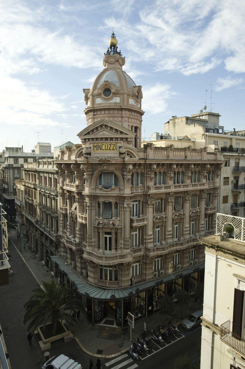 Palazzo Mincuzzi, il più bello di Bari. Palazzi