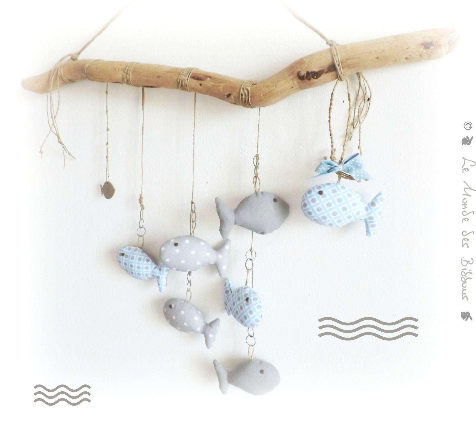 Décoration chambre d enfant Poissons bleu et gris supendus sur bois