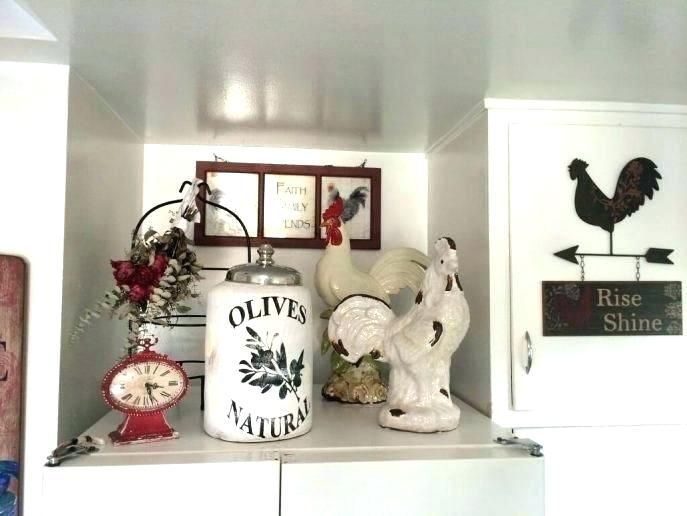 Rooster Decor For The Kitchen Wall