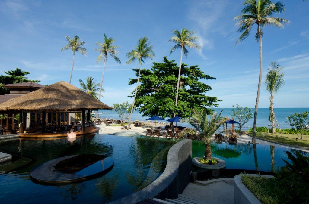 """So sieht es aus, wenn jemand sagt """"Ich bau einen der schönsten Pools von Koh Samui"""".  Hotel Akaryn: http://www.lastminute.de/reisen/896-97864-hotel-akaryn-samui-choeng-mon-beach/?lmextid=a1618_180_e30"""