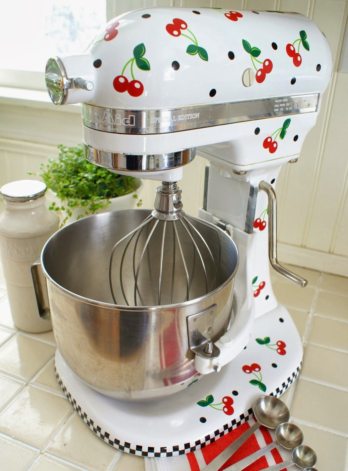 Isnt this the cutest kitchen aid ever diy home decor