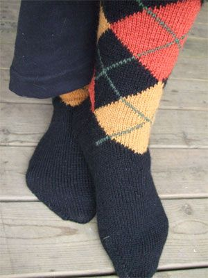 Stephanie Pearl-McPhee on how to knit Argyle socks. Great ...