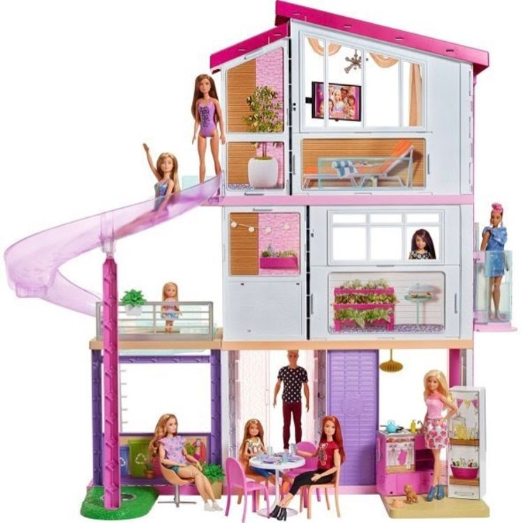 More Pictures Of The 2018 Barbie Dreamhouse I Need This