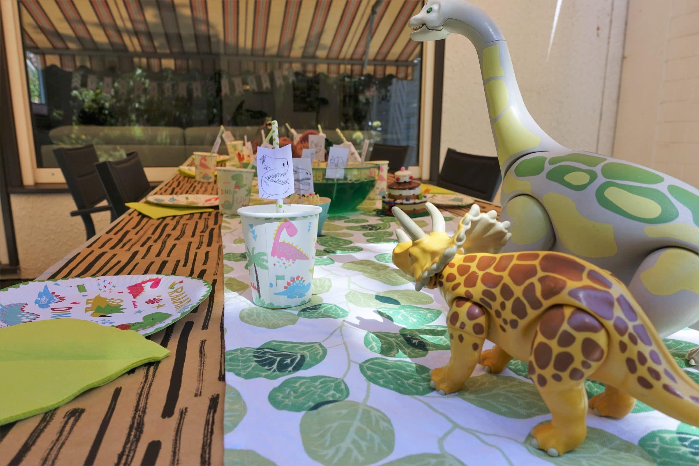 DinosaurierParty zum Kindergeburtstag mit Deko, Spielen