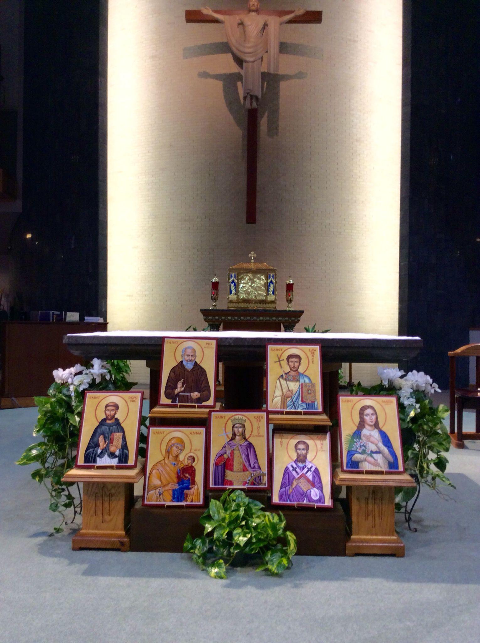Altar Decoration Epiphany Of The Lord Catholic Church