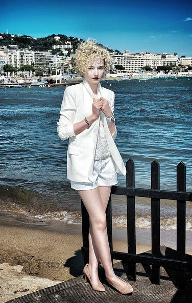 Pin On Julia Garner