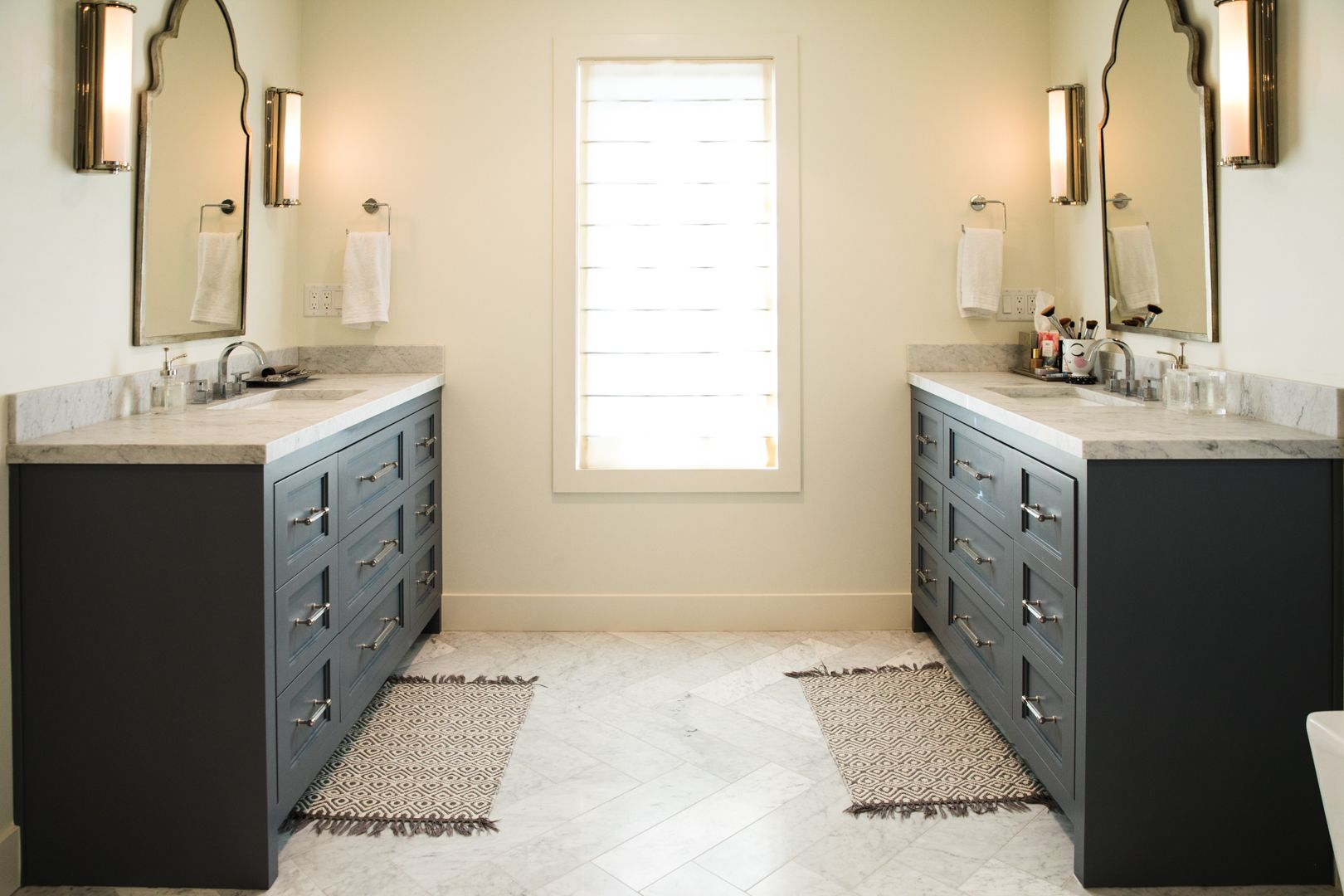 Dueling Vanities | Elegant Stone Bathrooms | Pinterest | Marble ...