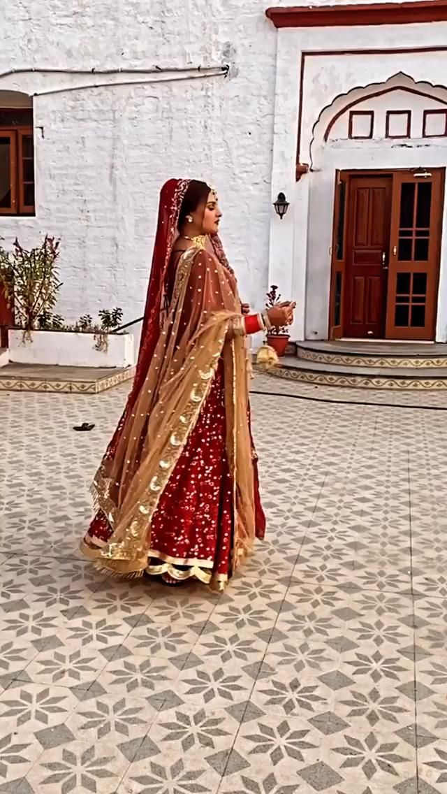 ✅Customized Designer 🌺 Bridal Lehenga Online | Leh