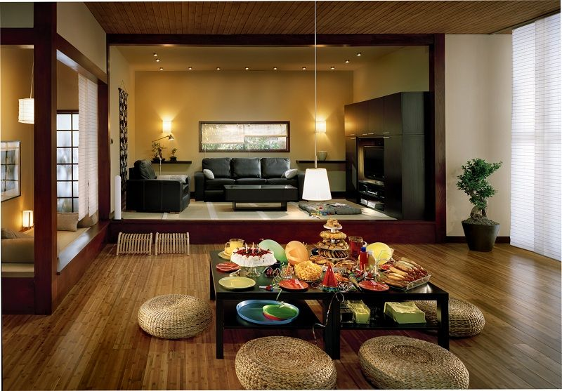Japanese Traditional Dining Room Combine With Modern Living Room