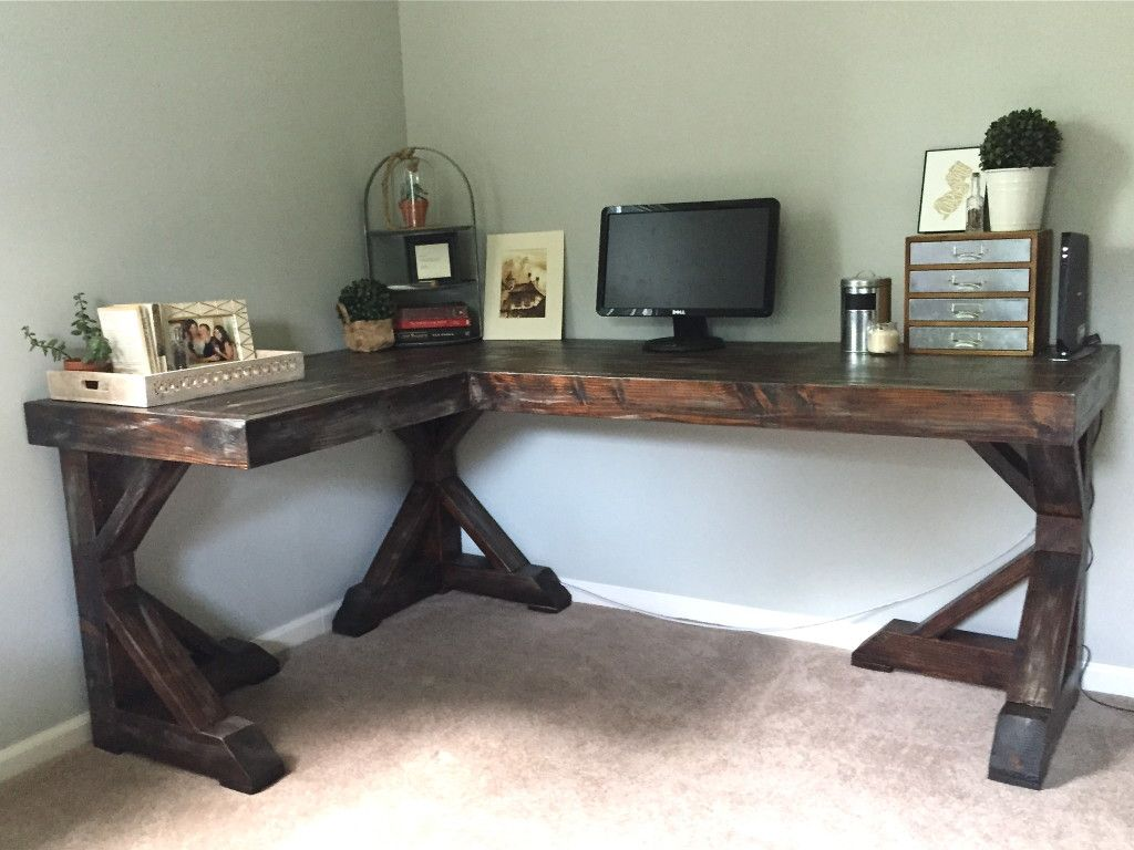 Making The Most Of A Small Office Can Be Challenging With These Corner Desk Ideas To Diy Or Buy You Will Be Able To S Diy Desk Plans Diy Corner Desk